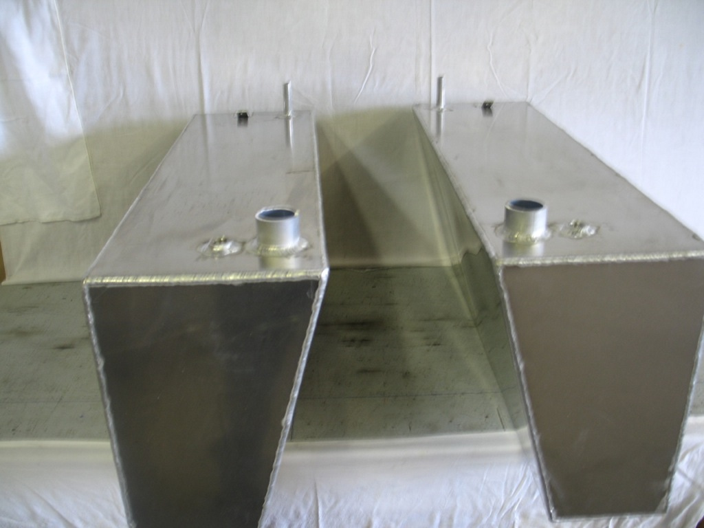 Low Profile Fuel Tank